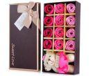 Подарочный набор мыла в виде лепестков роз с плюшевым мишкой