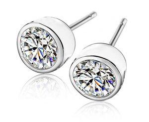 Блестящие женские серьги в виде бриллиантов