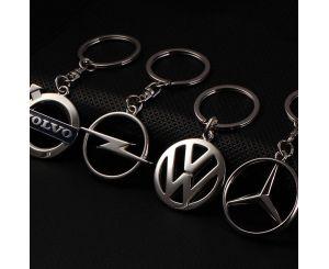 Металлические брелки с эмблемой автомобиля