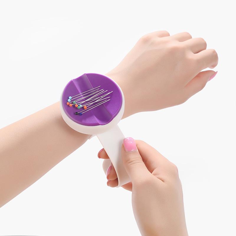 Игольница магнитная на руку ткань купить в сургуте